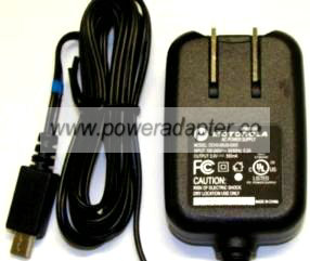 MOTOROLA DCH3-05US-0300 TRAVEL CHARGER 5V 550mA AC POWER SUPPLY